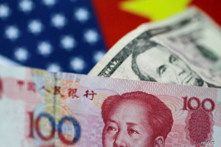 US dollar falls versus yen, offshore yuan slips on trade woes