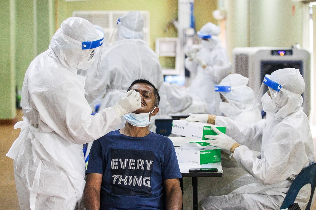 Selangor, the most populous state, recorded its highest daily figure today at 5,263, making up 47.5% of the latest nationwide infections, after reporting over 4,000 cases for five straight days. (Photo by Zahid Izzani Mohd Said/The Edge)