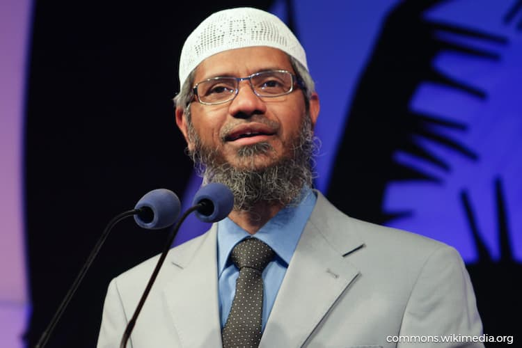 Johor police to disallow public talks by Zakir Naik