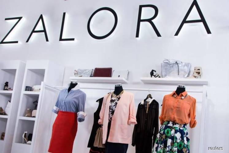 Zalora standard chartered launch partnership across sea the edge zalora standard chartered launch partnership across sea the edge markets reheart Image collections