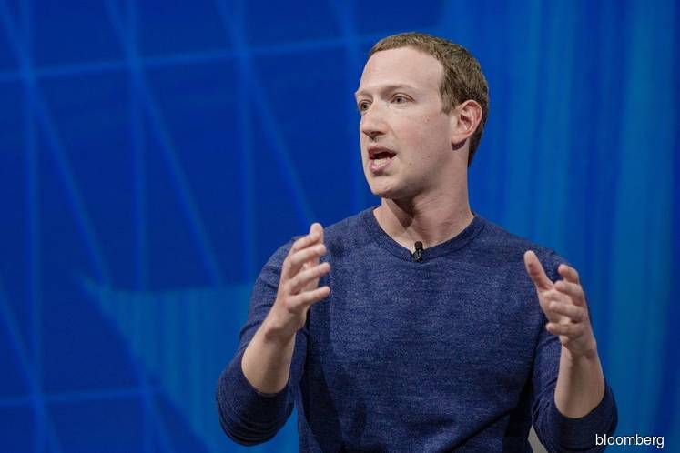 Zuckerberg Says Facebook to Focus on Private Communication