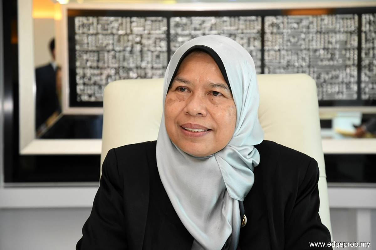 Govt wants to expand kenaf industry, produce more end products, says Zuraida