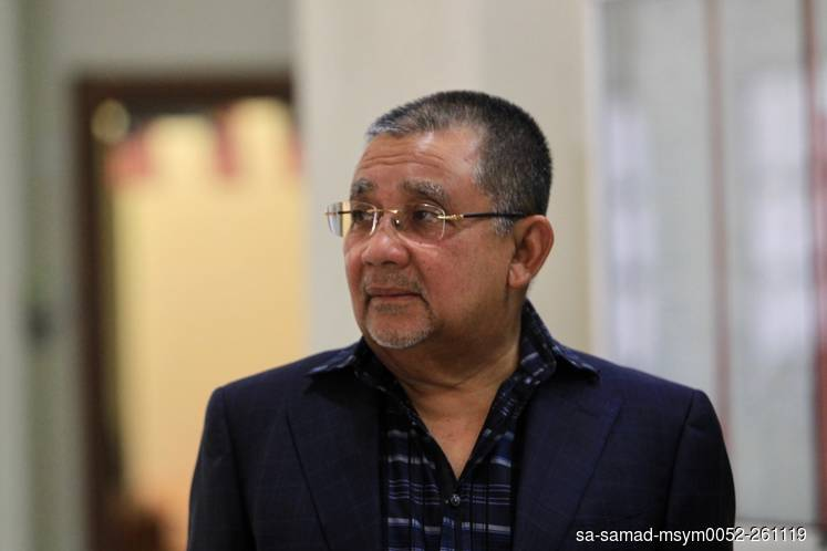 Isa Samad's special officer gets RM10,000 to RM50,000 after collecting money, court told