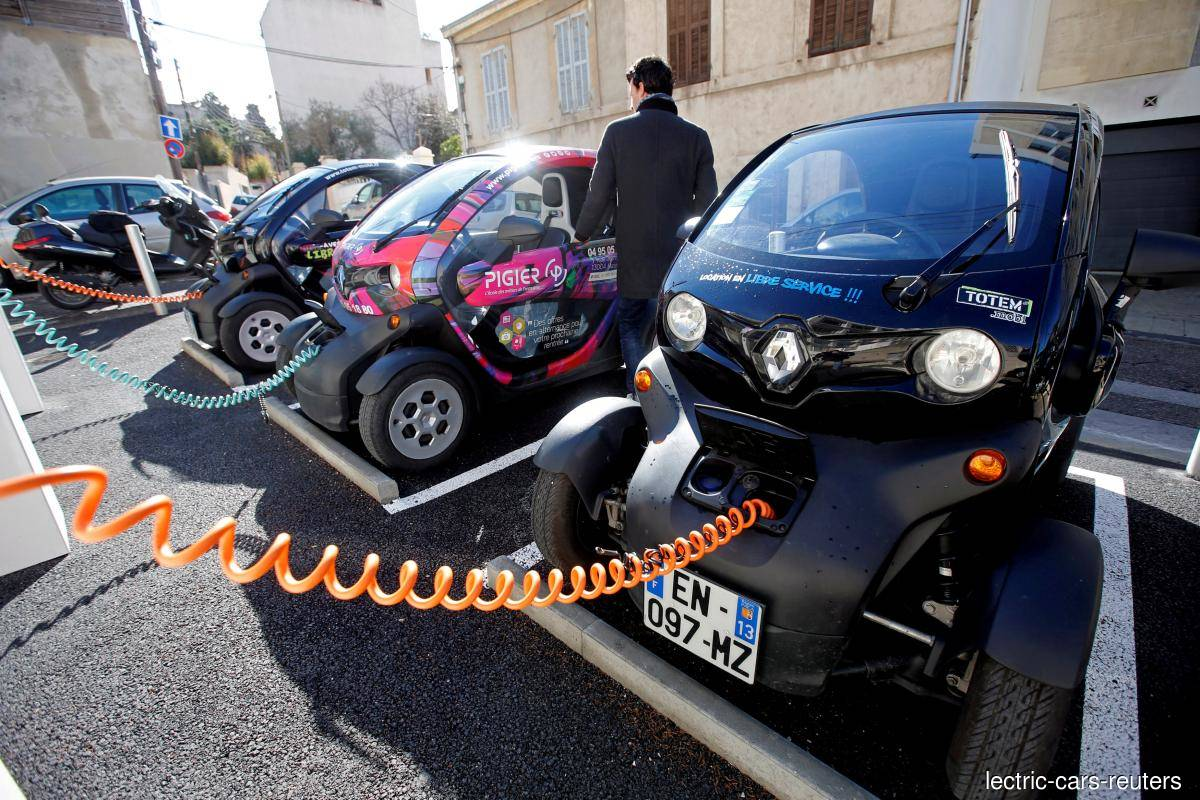 U.K. grid planning for 30 million electric cars by 2040