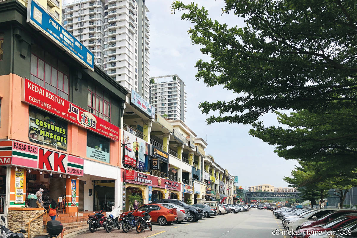 Jalan Melati Utama 4 comprises 38 three- and four-storey shopoffices