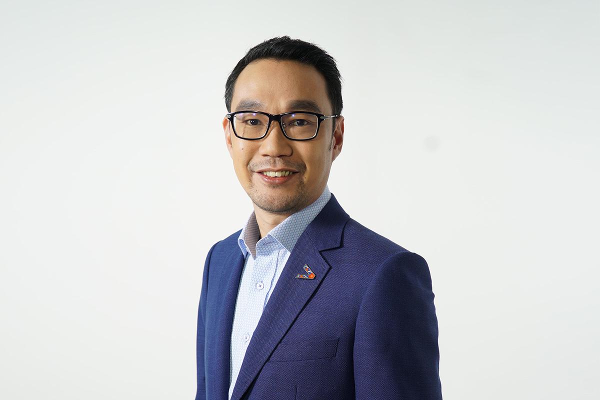 Adrian Lim - Managing director Asean cloud lead (resources) Accenture