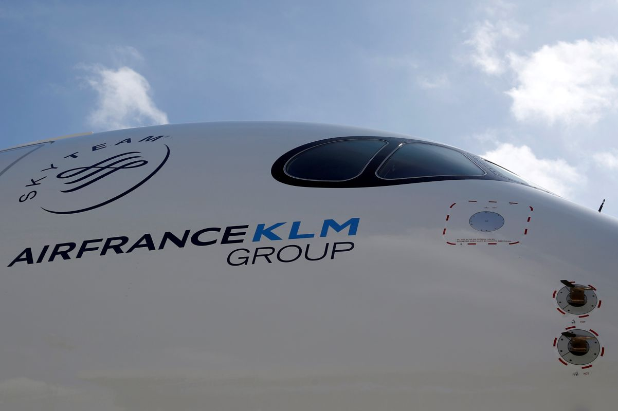 Air France-KLM weighs fresh fundraising as losses mount