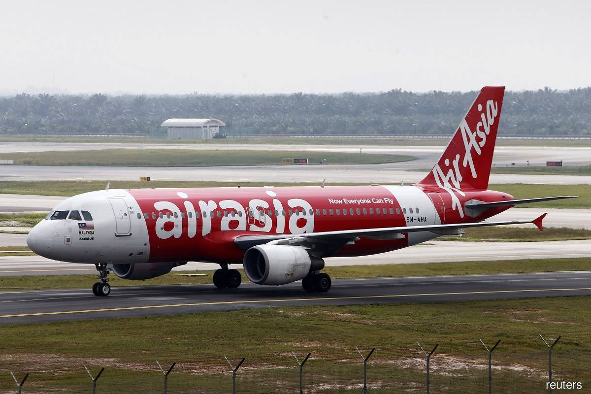Analysts say AirAsia's private placement plan critical to keep it afloat