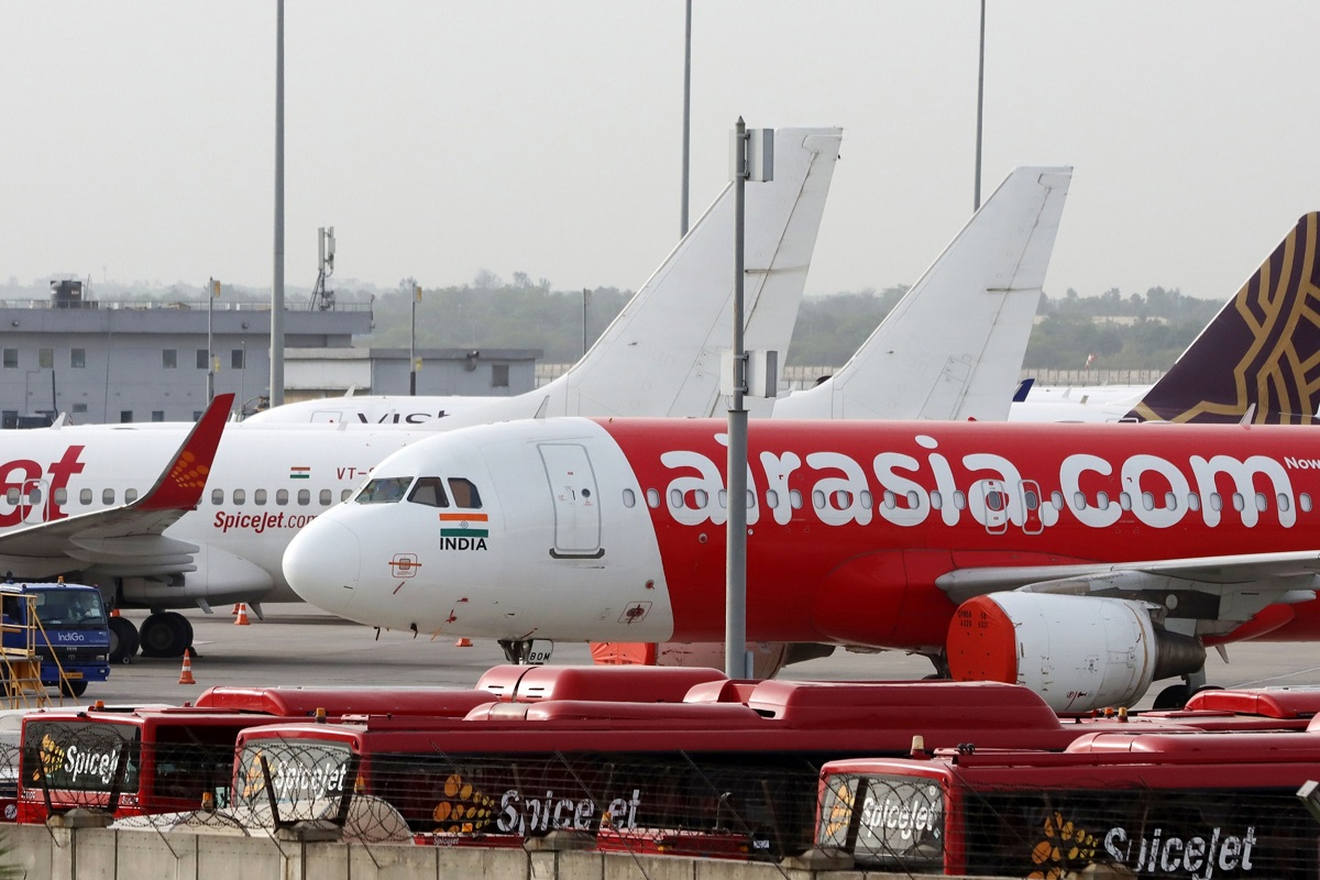 AirAsia is said to cease funding Indian venture as cash dwindles