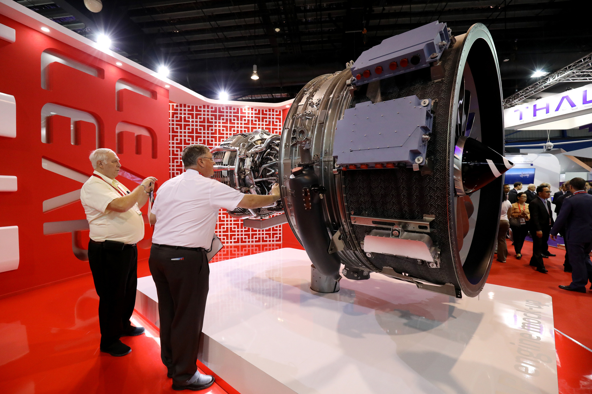 Engine maker to Boeing-Airbus: Not so fast on ramp-up