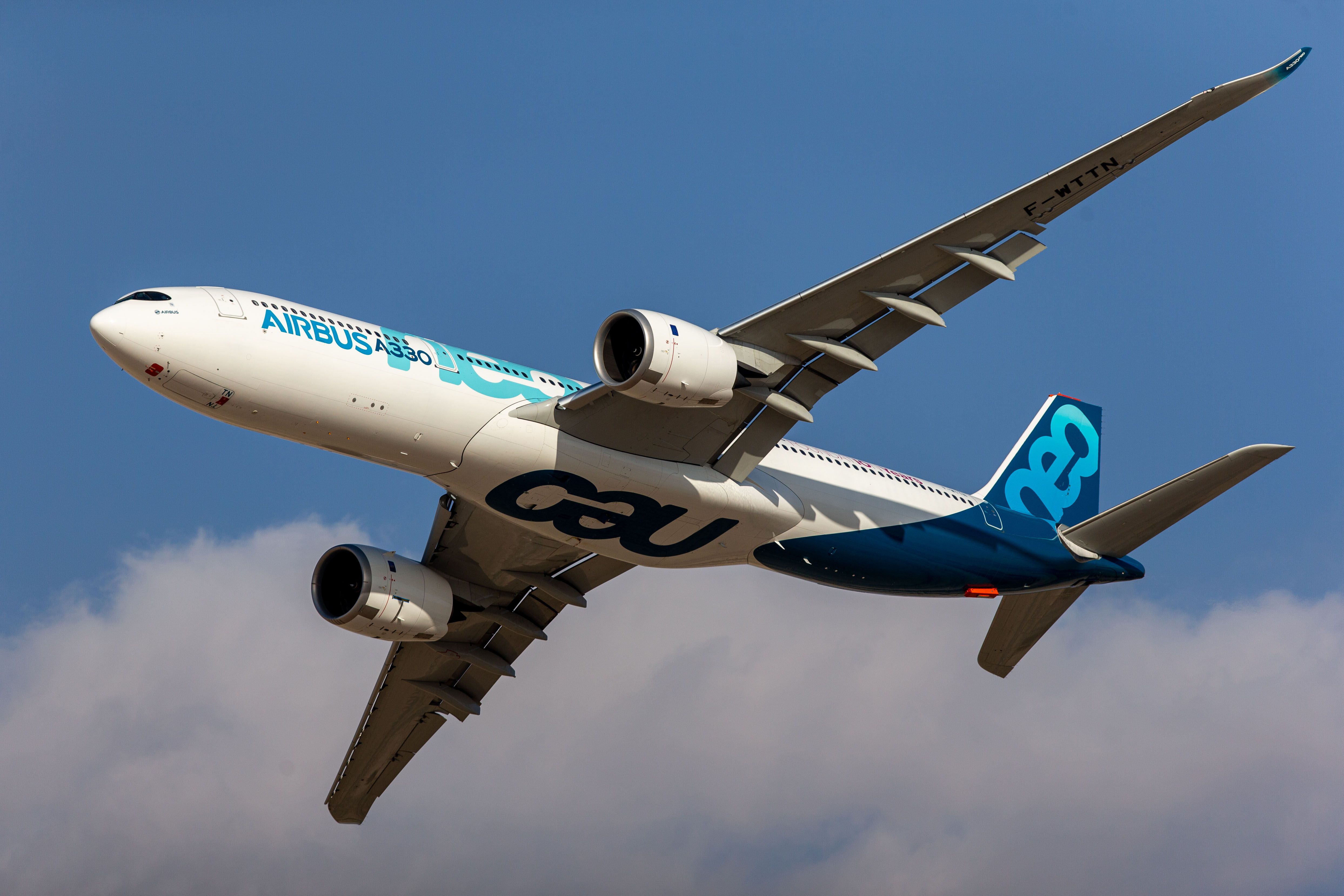 Airbus weighs A330 output cut after top buyer seeks deferral