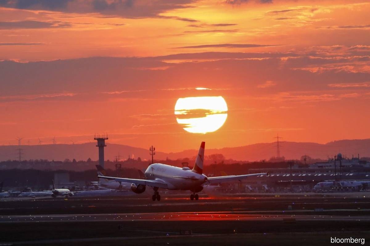 European airlines dragging feet on carbon measures, group says
