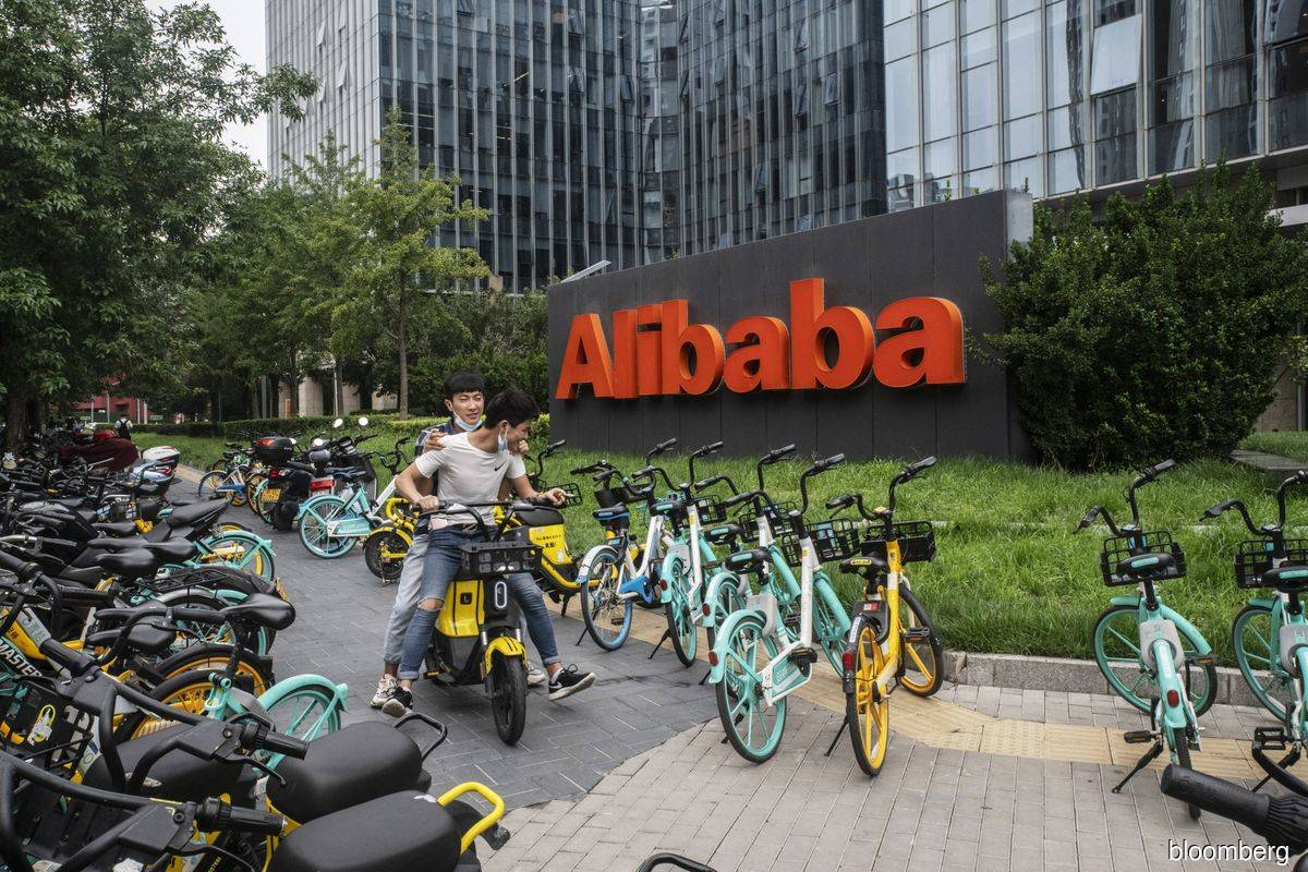 Alibaba touts post-virus rebound while watching 'fluid' U.S.