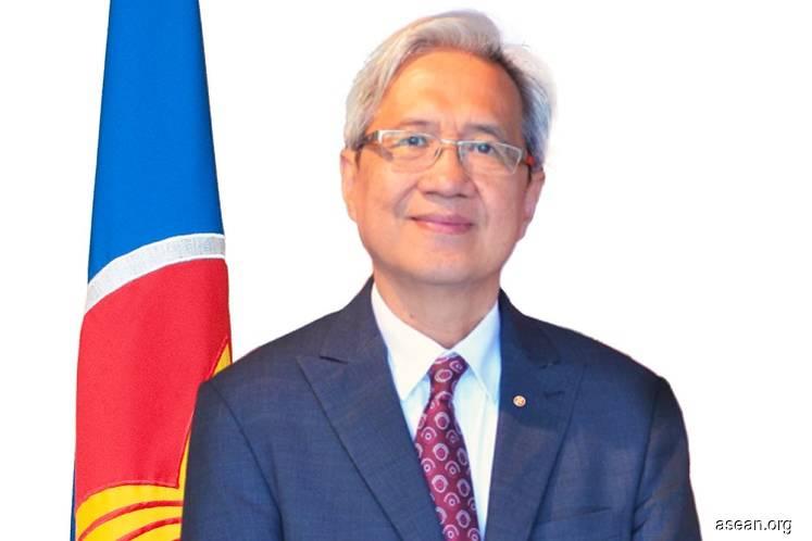 Asean deputy secretary-general for the AEC Dr Alladin D Rillo