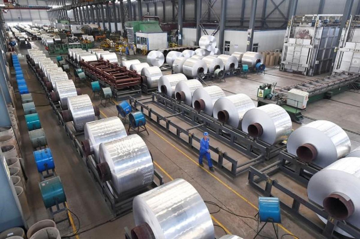 Shanghai aluminium hits 13-year high on supply concerns