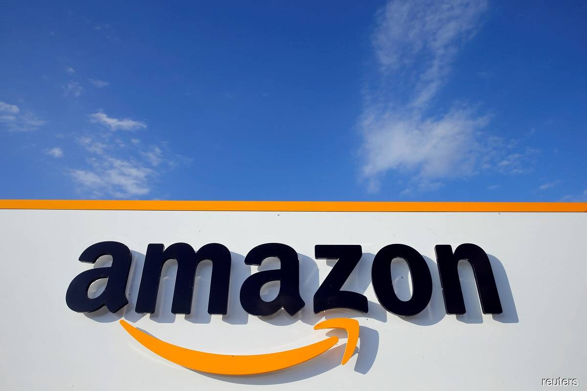 Amazon to let Whole Foods shoppers pay with a swipe of their palm