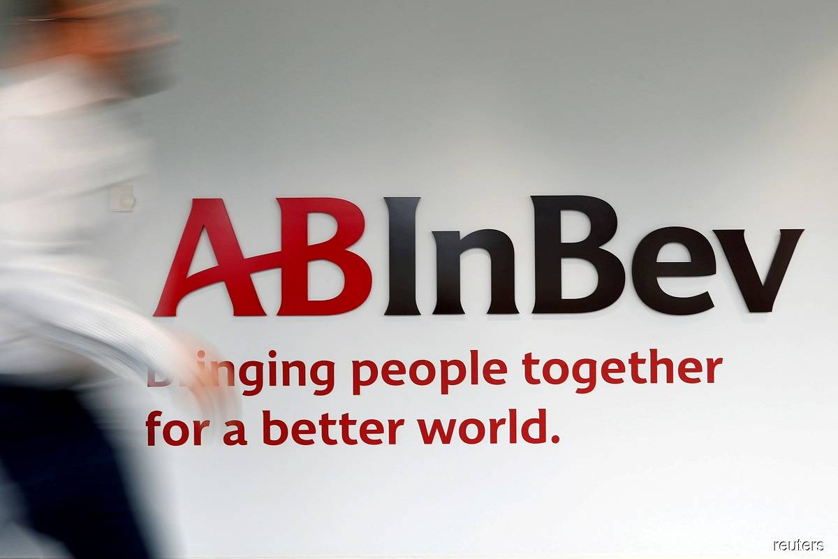 AB InBev forecasts higher 2021 earnings but sees hit to margins