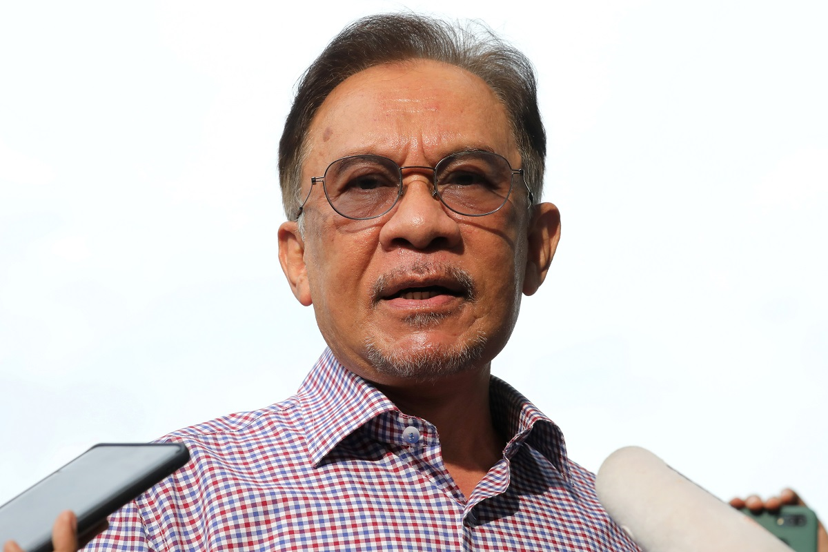PKR's Anwar urges Putrajaya to support state govt, private sector efforts to procure vaccines