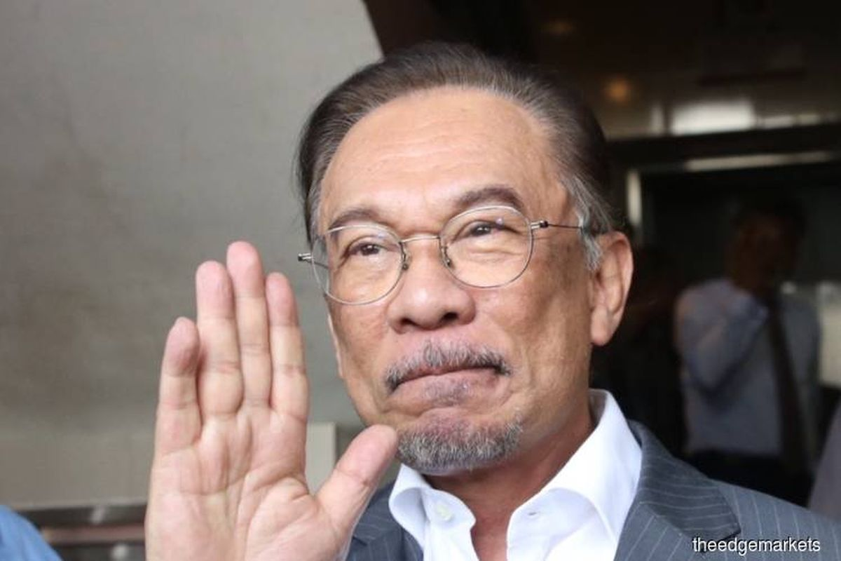 Court refuses leave to hear Anwar's challenge against PM's advice on Parliament suspension