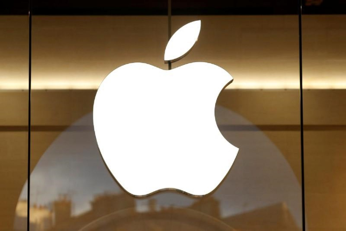 Russia opens case against Apple in App Store payment dispute