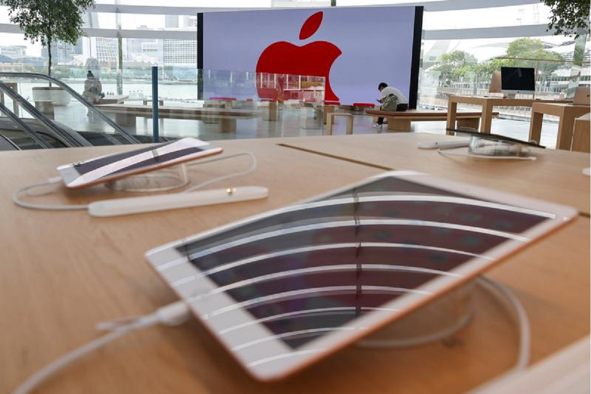 Apple revises App Store guidelines, loosening some in-app payment rules