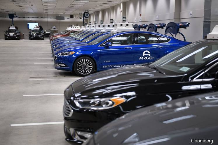 VW Nears Self-Driving Deal With Ford, Exits Aurora Alliance