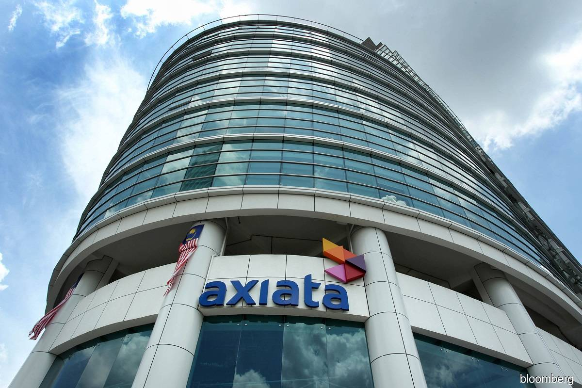 Axiata sinks into the red in 4Q, declares five sen dividend