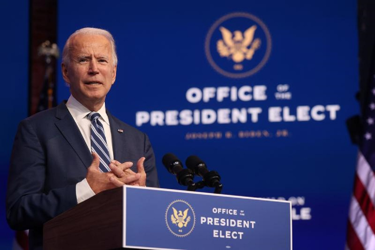 More Republican lawmakers urge Trump to allow Biden intelligence briefings