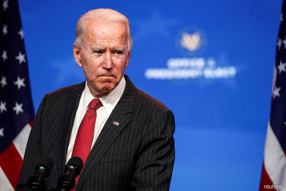 US agency tells Biden he can formally begin transition