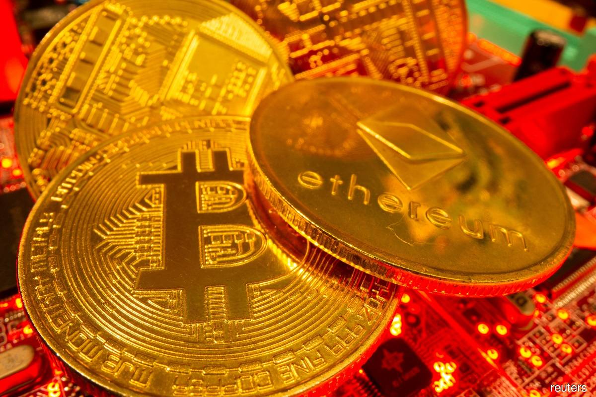 Hong Kong to restrict crypto exchanges to professional investors
