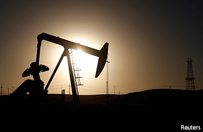 Oil slips further below US$56 on report of US inventory jump