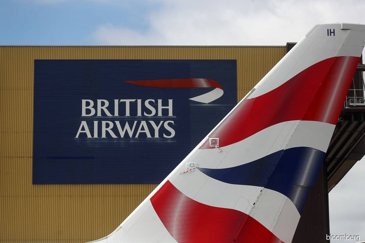 British Airways owner readying its first bond with a junk rating