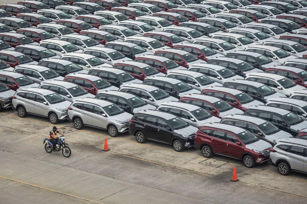 Indonesia expands tax breaks for sales of bigger cars