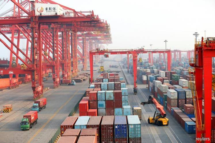 China Feb exports tumble the most in 3 years, heighten global slowdown fears