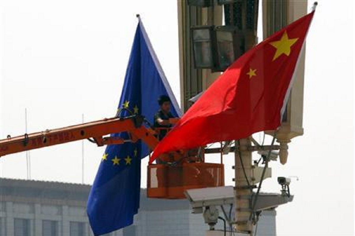 China suspends UK flights over new virus strain