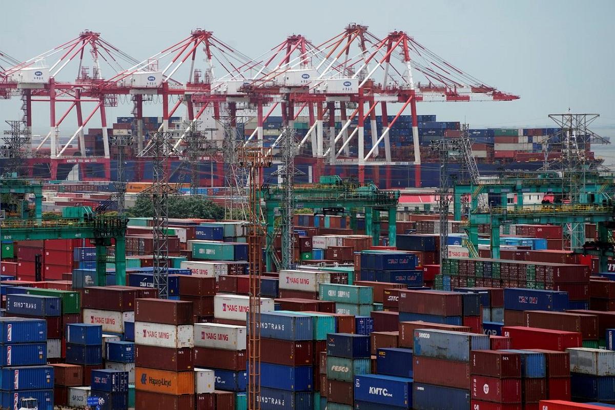 China 2020 exports up despite virus; surplus surges to $535 billion