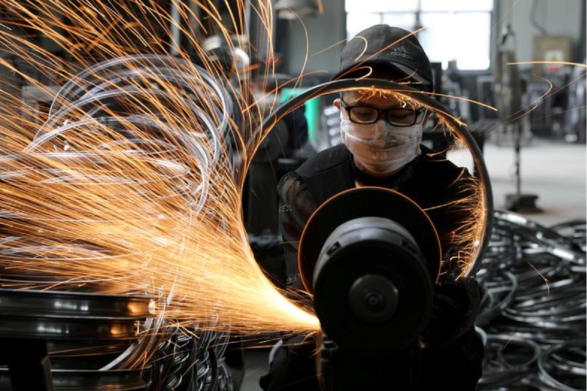 China's Jan-Feb industrial profits surge in boost to economic recovery