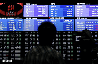 China selldown turns world markets red on first trading day