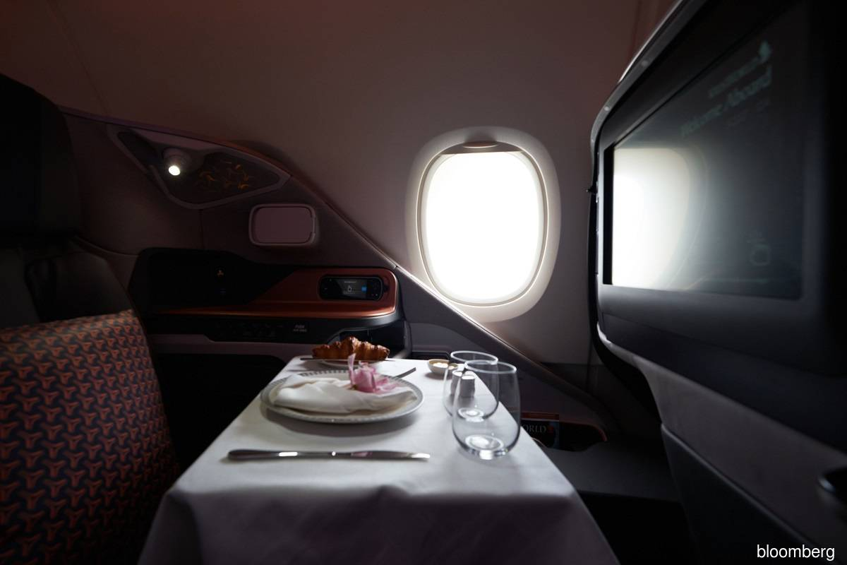 Why people pay hundreds of dollars to eat on grounded plane