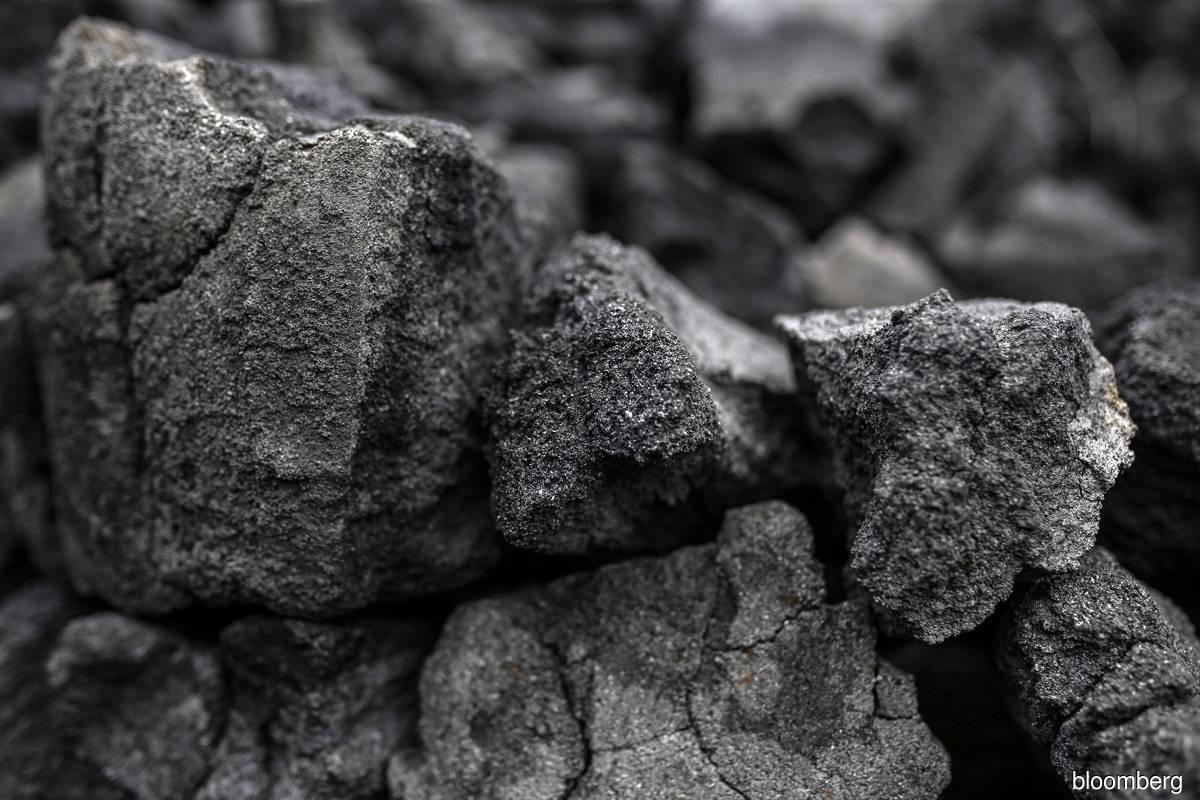 India coal imports plunge with Adani, Tata slashing purchases