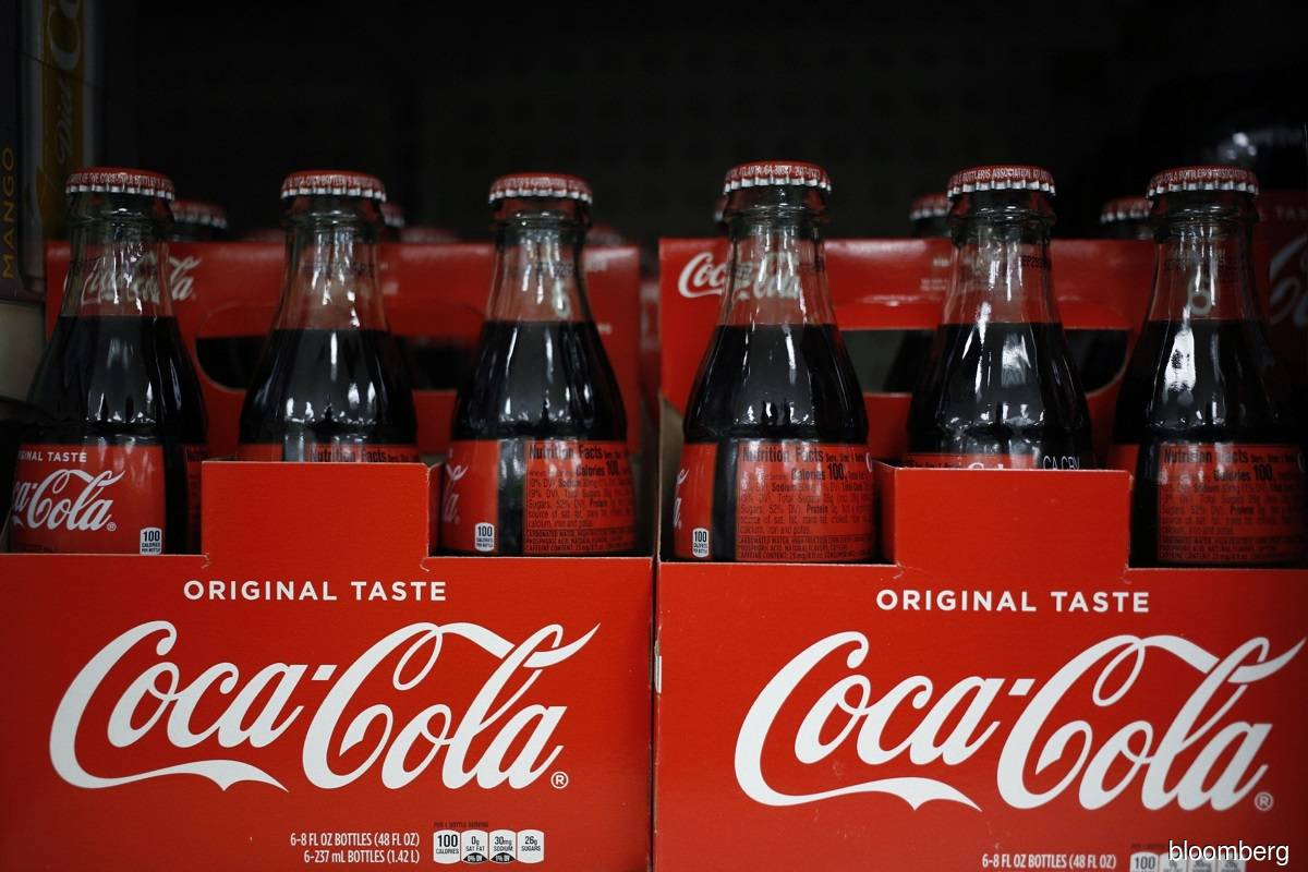 Coca-Cola shares fell roughly in line with the S&P 500 index following Cristiano Ronaldo's press conference, and traded 0.5% lower at 11.18am in New York on June 16.
