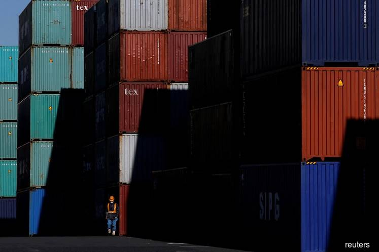 Japan May exports fall 7.8% year/year - MOF