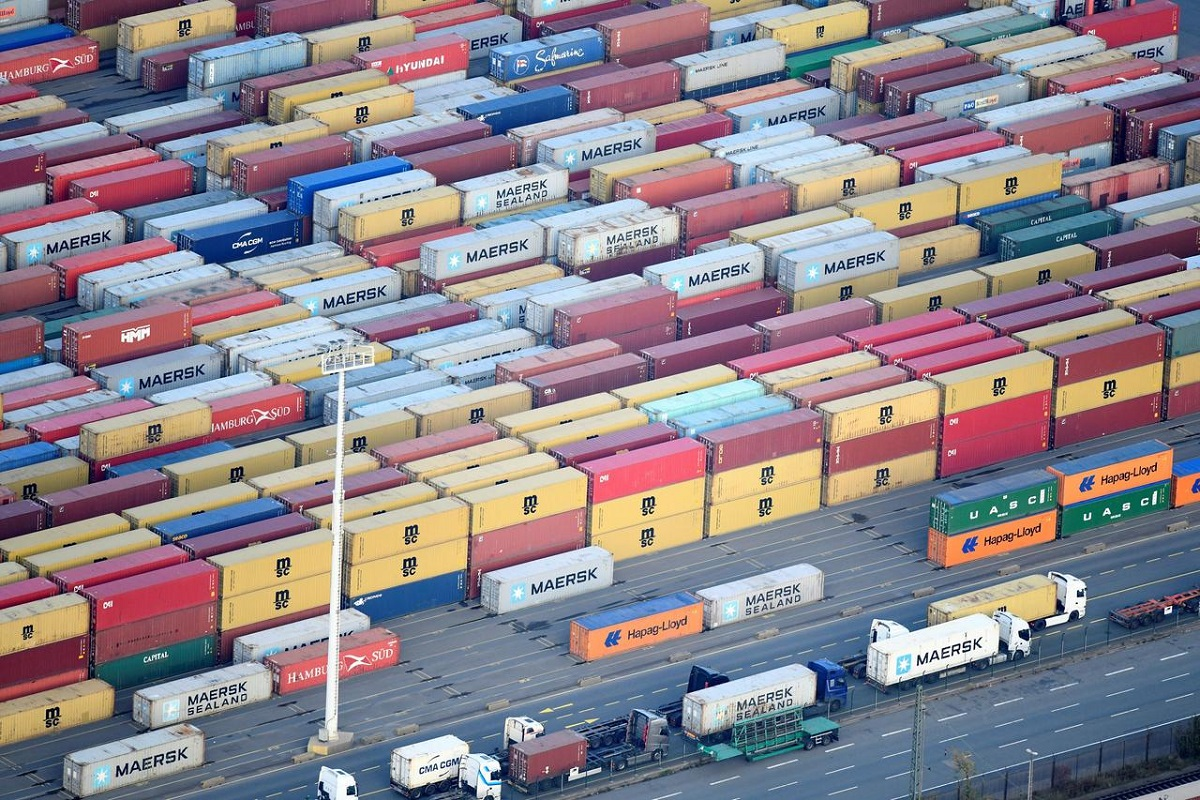 German July trade figures point to slow recovery
