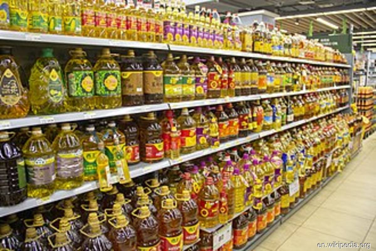 KPDNHEP detects 111 cases of cooking oil sold above controlled price