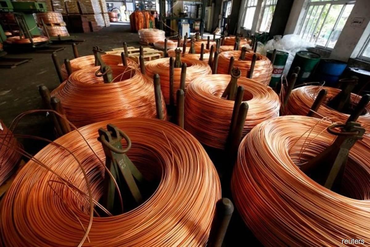 London copper set for best week since 2016 as prices surpass US$10,000/tonne