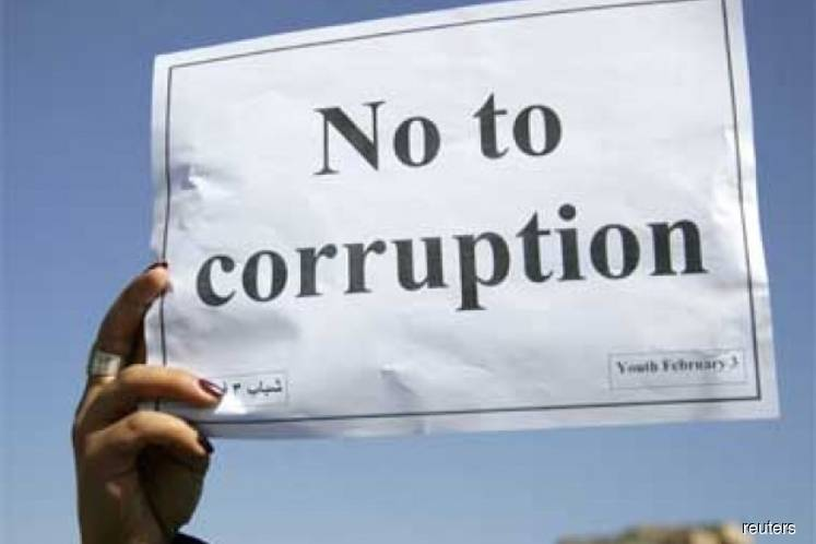 More effective check-and-balance mechanism needed to tackle public sector corruption