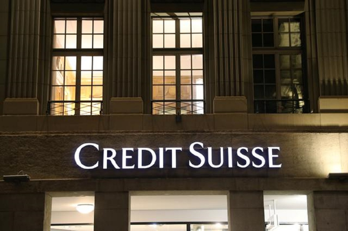 Credit Suisse commercial property fund to liquidate amid big discount