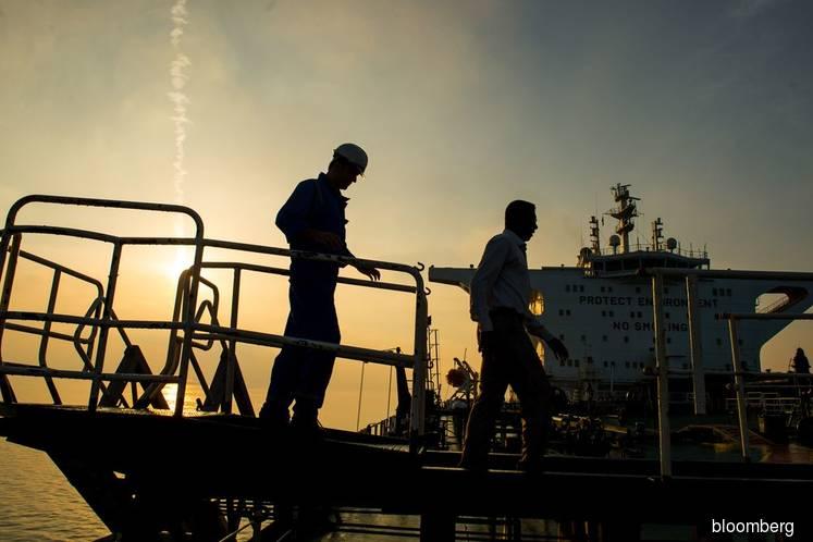 Iran to lock down Persian Gulf trade hub after virus surge