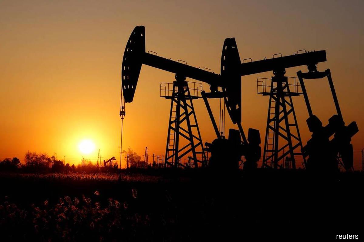 Oil battered in ugly week as demand concerns, dollar spur slump