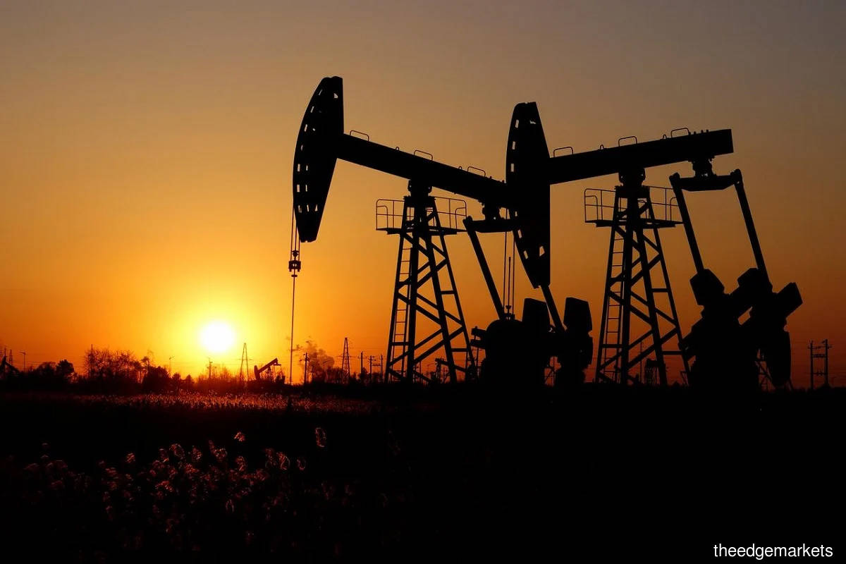 Oil set for worst month since March with virus crimping demand